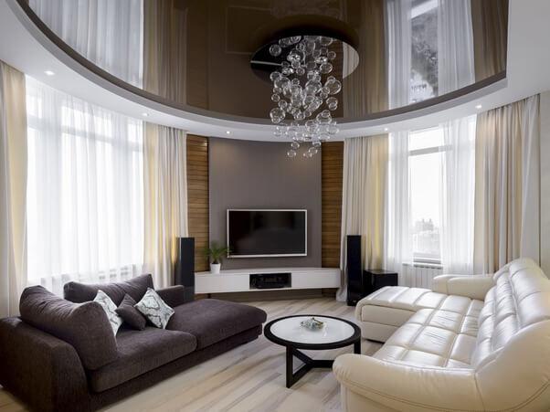 Натяжные потолки для гостиной